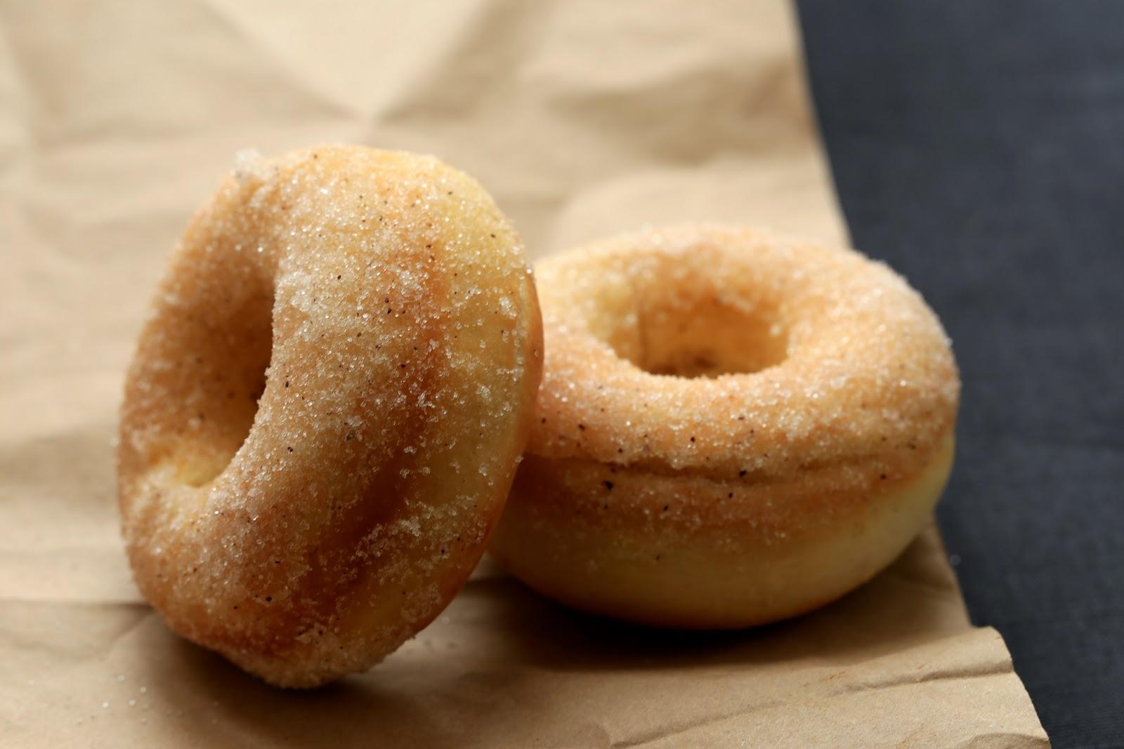 donuts au four , baked doughnuts , beignets légers au four