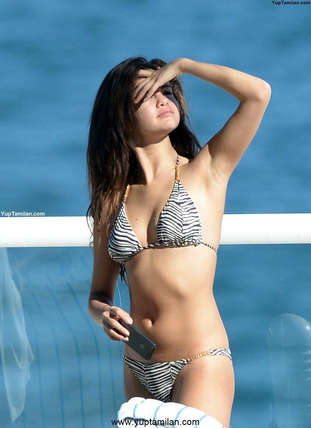 Selena Gomez hottest Swimwear & Bikini Pictures