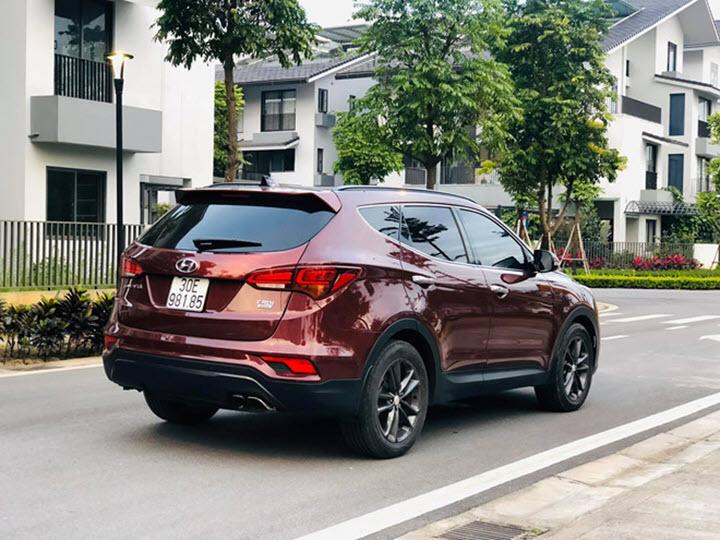 Hyundai SantaFe 2017 máy dầu giá hơn 950 triệu đồng sau 3 năm sử dụng