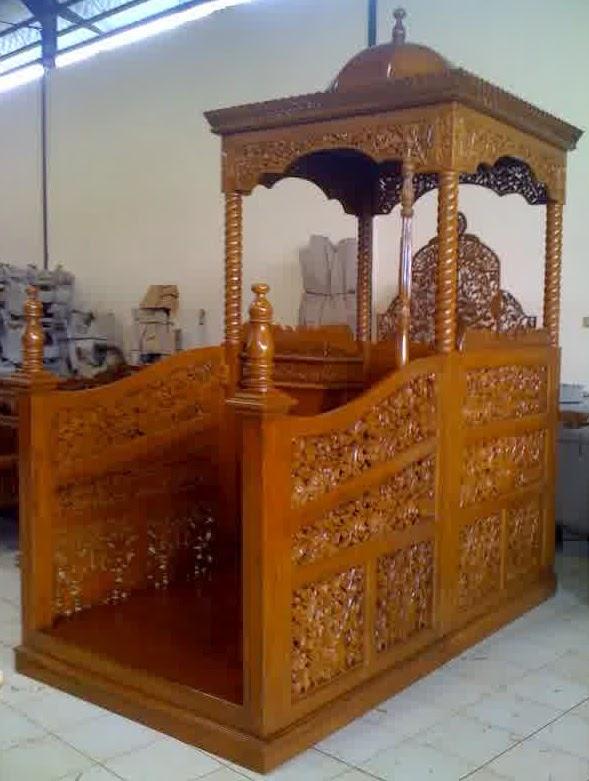 Mimbar Masjid Kaligrafi pintu depan