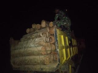 Pos Camar Bulan Satgas 643 Amankan 3 Truck Kayu Tanpa Dokumen