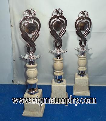 Model Piala Marmer