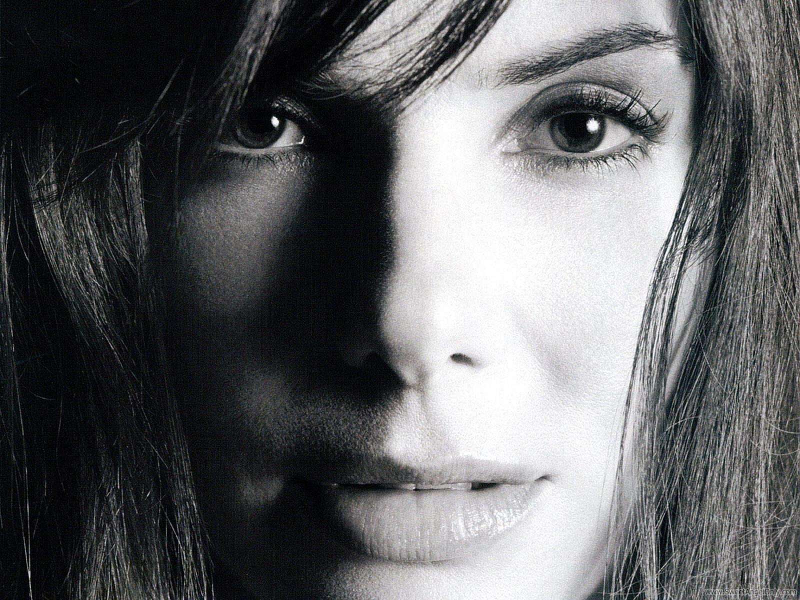 Sandra Bullock Biograp...