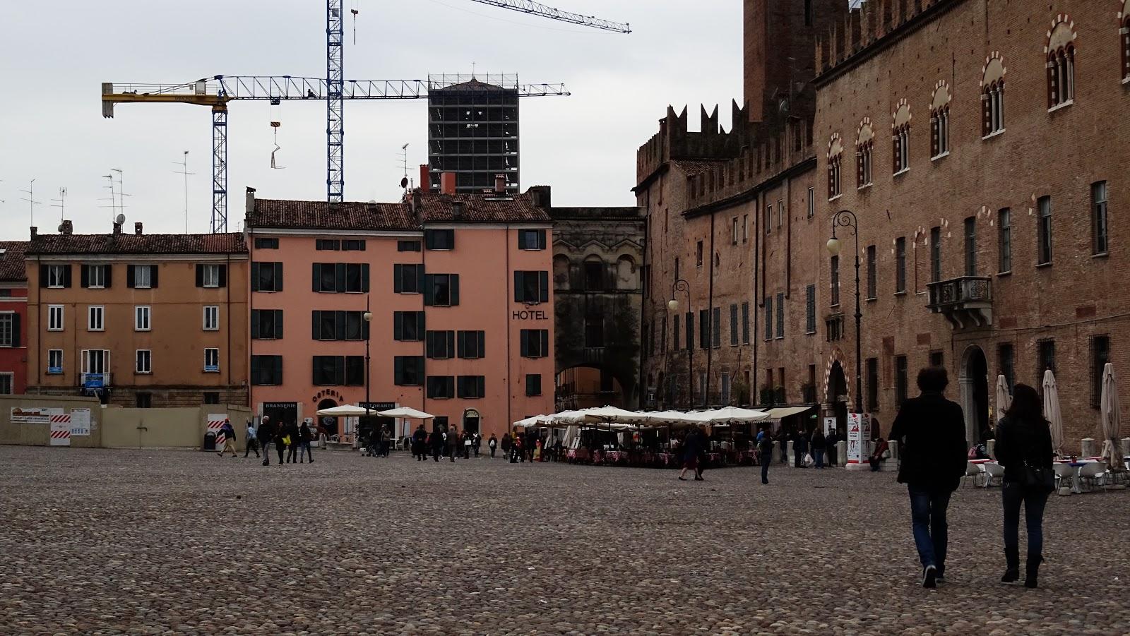 Podi s podi piazza sordello mantova for Piazza sordello