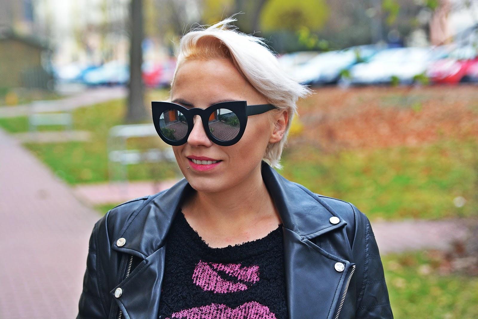 jeansowa_spodnica_skorzana_ramoneska_buty_za_kolano_karyn11