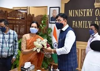 डॉ. भारती प्रवीण पवार ने केंद्रीय स्वास्थ्य और परिवार कल्याण राज्य मंत्री के रूप में कार्यभार संभाला Dr. Bharti Praveen Pawar takes over as the Union Minister of State for Health and Family Welfare