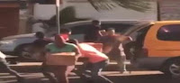 Saquean minibús cargado de cajas navideñas