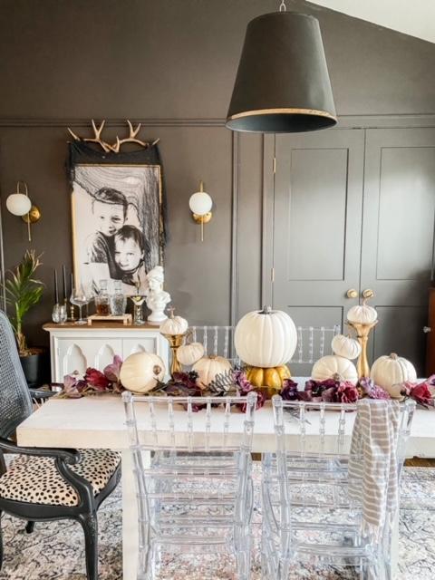 Halloween dining room decor