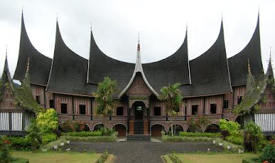 Tips Berlibur ke Padang Sumatera Barat