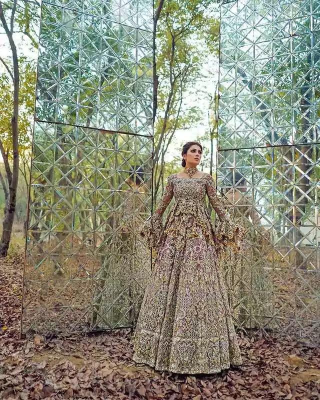 Ayeza Khan Latest Bridal Photo Shoot For Sara Rohale