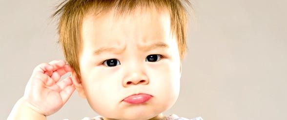 التهاب الاذن عند الاطفال |اعراض واسباب  وعلاج التهاب الاذن عند الاطفال