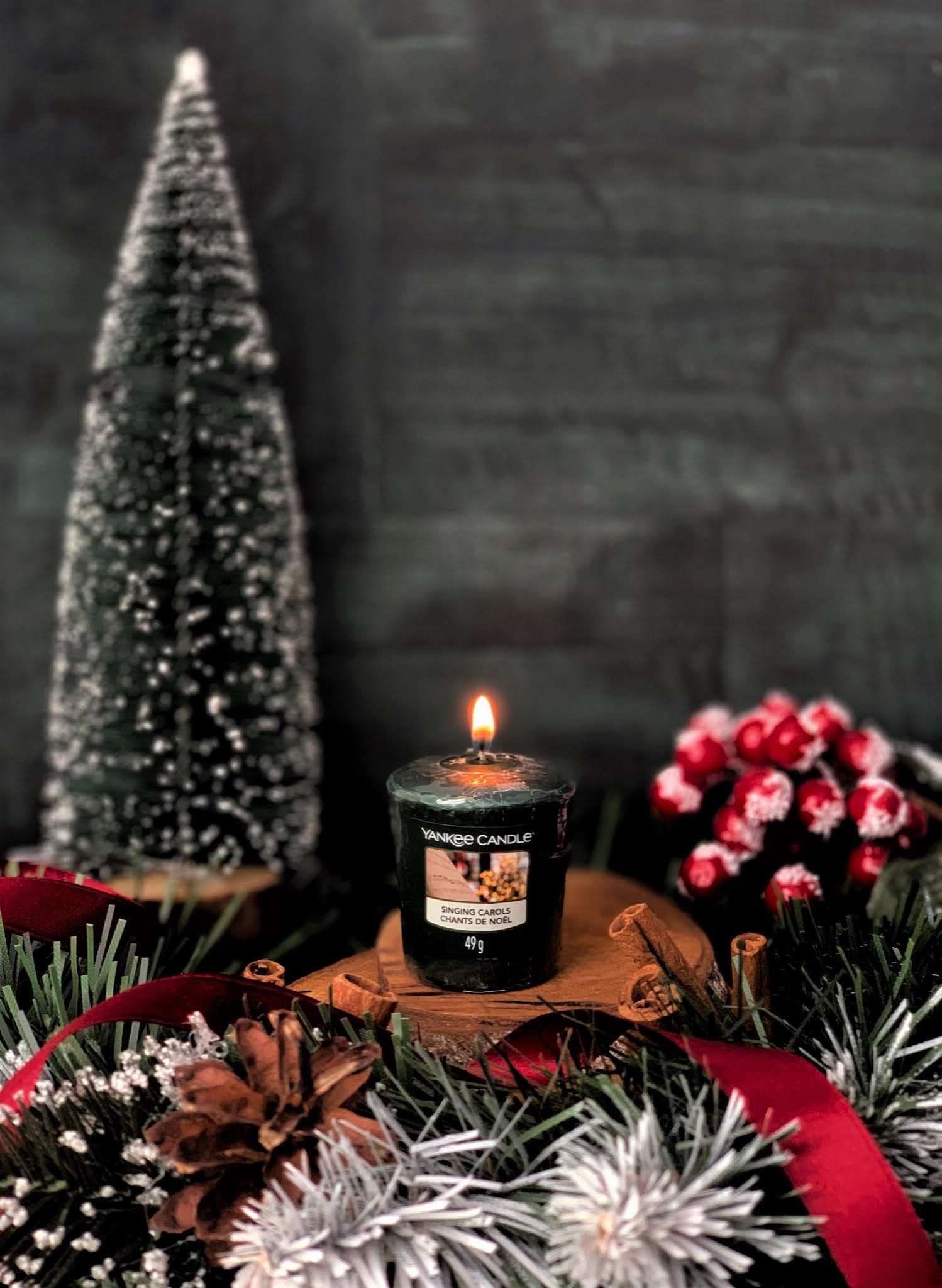 Singing-Carols-Yankee-Candle