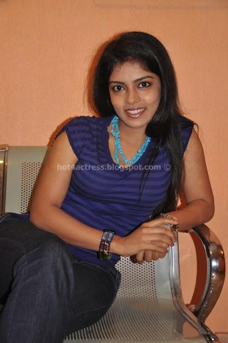 Janavi in Blue Slim T-shirt Photos