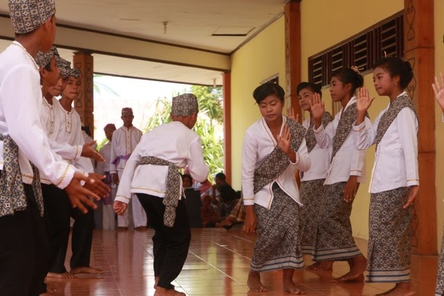 Tari Tide Tide, Tarian Tradisional Dari Halmahera Utara Provinsi Maluku Utara