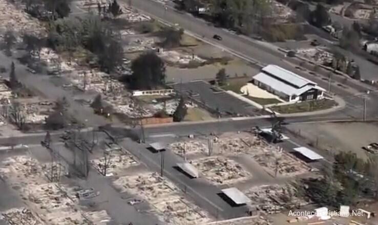 Iglesia intacta tras incendio forestal