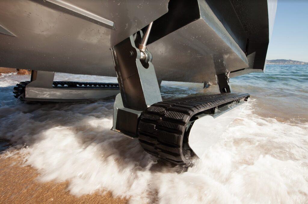ВМС США придбали гусеничні човни-амфібії