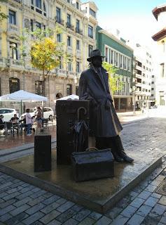 El viajero escultura Oviedo
