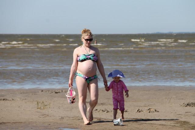 Pärnu rannalla raskaana