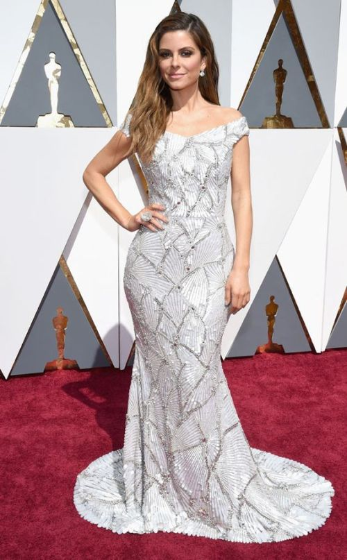 Maria Menounos in a Christian Siriano dress at the Oscars 2016