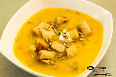 dynia, grzanki, krem z dyni, pomysł na dynię, prosty przepis na, szybki przepis na, zupa dyniowa, zupa krem, zupa krem z dyni,