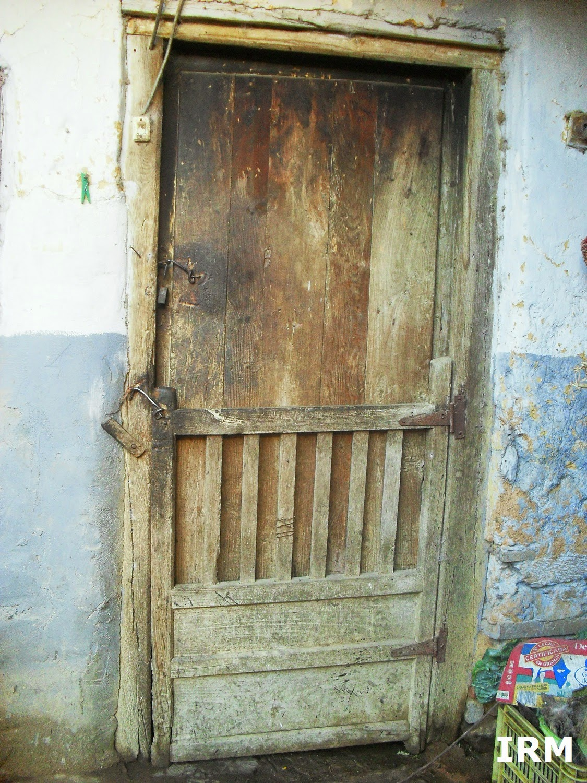 Avantales la casa de mis abuelos for Puerta blindada antigua casa gutierrez
