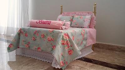 1561551cf1 Maria Girafa Ateliê  Decoração - Jogo de cama para cama de boneca