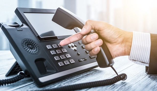 choosing best telephone system for business communications top phone