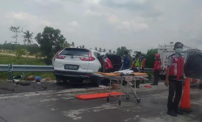 CR-V Tabrak Mobil Derek di Tol Lampung KM 83, Satu Meninggal Dunia