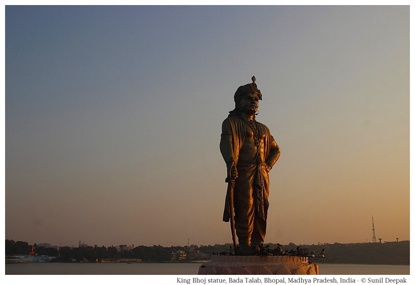 Statue of King Bhoj, Bada Talab, Bhopal, Madhya Pradesh, India - Images by Sunil Deepak