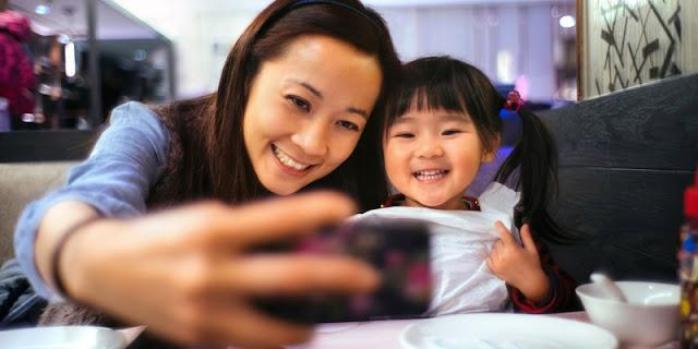 Orang Tua Perlu Waspada, Inilah Bahaya Sering Unggah Foto Anak ke Media Sosial