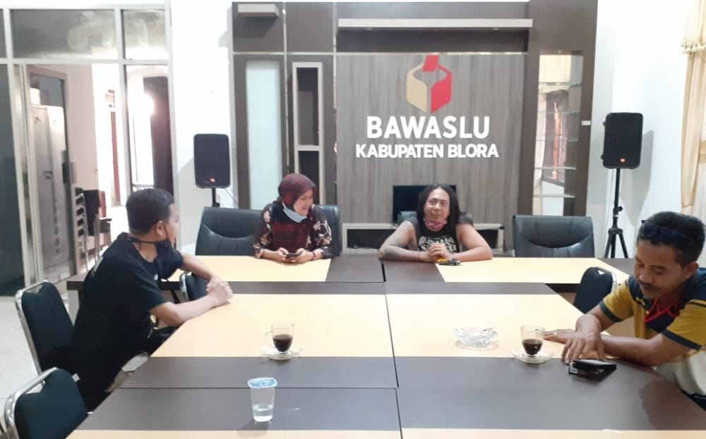 INDES-SOSIAL-BUPATI-BLORA-DILAPORAKE-BAWASLU-02