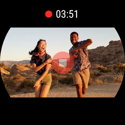 2 people are smiling and having fun