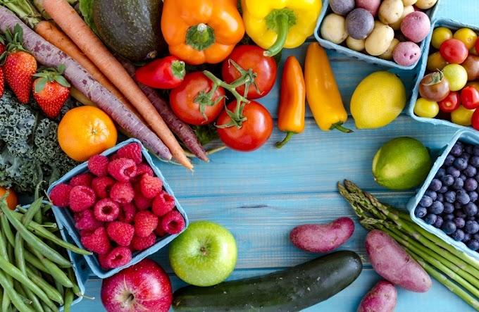 Σαπουνίστε με ζεστό νερό φρούτα και λαχανικά προειδοποιεί Αυστραλός ιολόγος