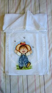 Toalha fralda com pintura feita a mãe
