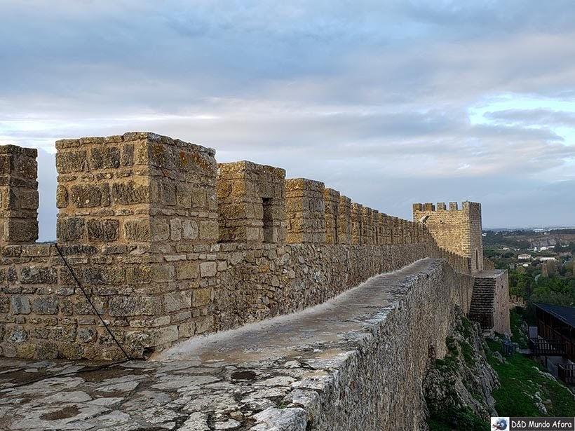 No alto das Muralhas de Óbidos, Portugal