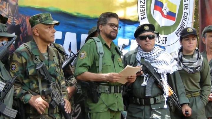 Colombia FARC negotiators say they are taking up arms again