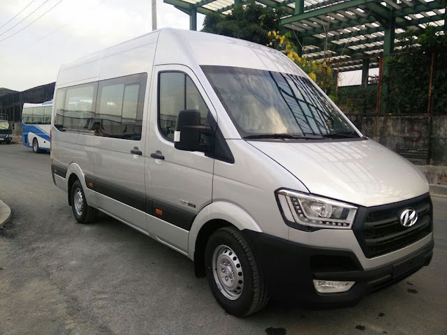 Cho thue xe du lich 16 cho Hyundai Solati tai thanh pho Ho Chi Minh - Sai Gon