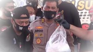 Bopak penyelundup ratusan kilogram sabu-sabu di Pelabuhanratu dituntut hukuman mati