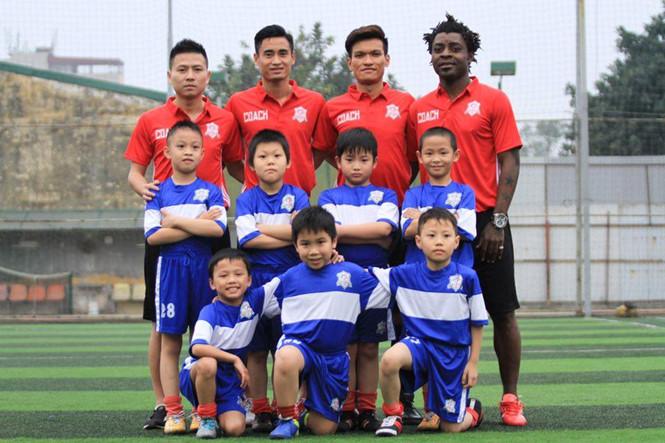 Trung tâm bóng đá học đường đầu tiên tại Quảng Ninh của Minh Tuấn