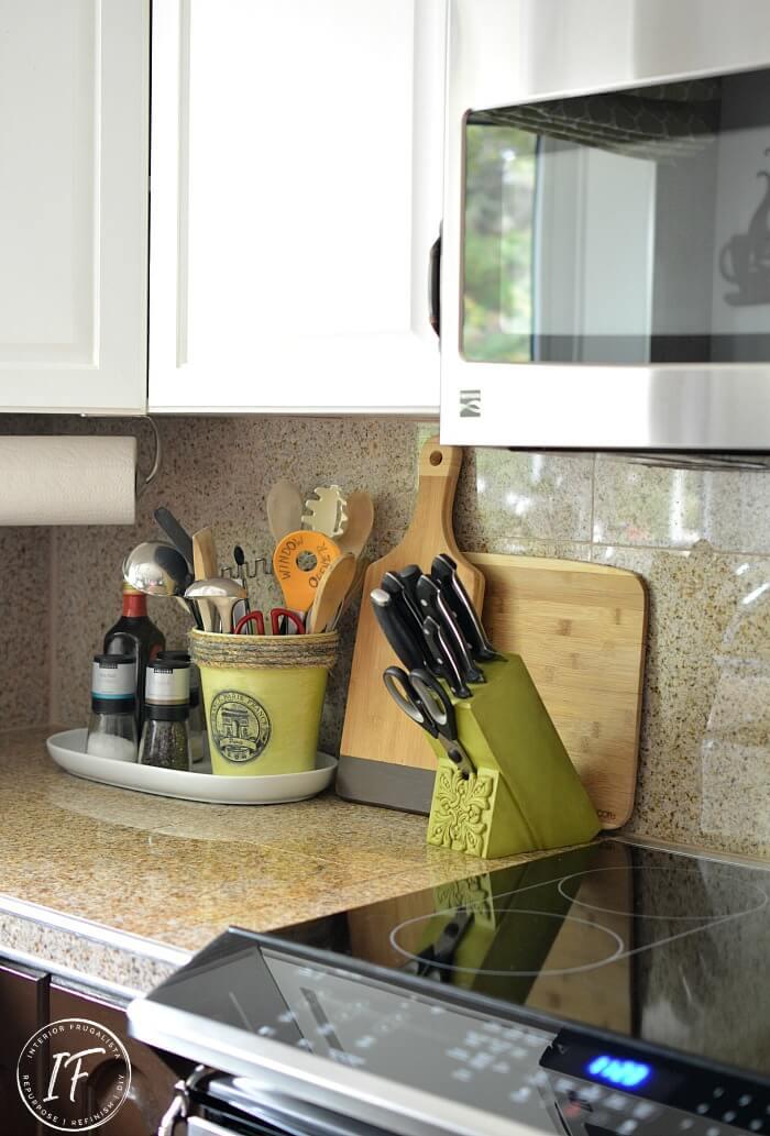Upcycled Kitchen Knife Block