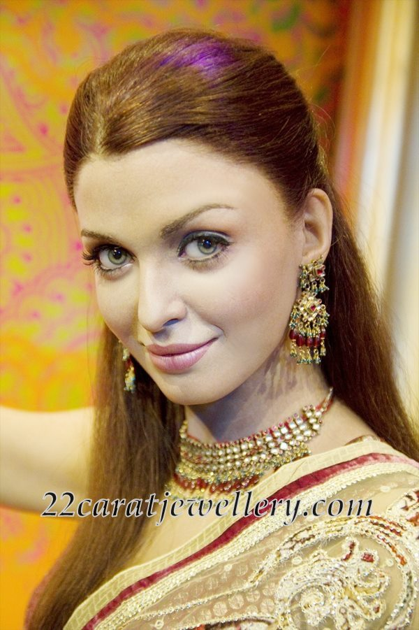 Aishwarya Rai In Gemstone Kundan Choker Jewellery Designs