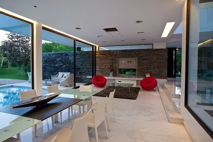 Interior of Minimalist Casa Carrara by Andres Remy Architects