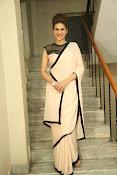 shraddha das latest glamorous photos-thumbnail-4