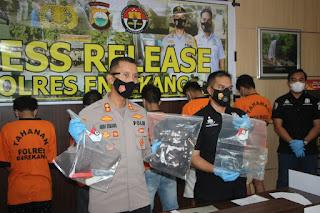 Kapolres Enrekang Pimpin Press Release Tindak Pidana Perbuatan Cabul Terhadap Anak Dibawah Umur