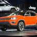 سيارة 2017 Jeep Compass هي سيارة جيب الأولى التي تأتي بدعم CarPlay!