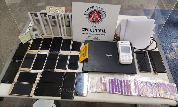 Polícia prende dois homens suspeitos de aplicar golpe do cartão de crédito em Jequié