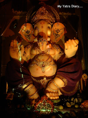 Huge Ganesh idol in a Mumbai pandal