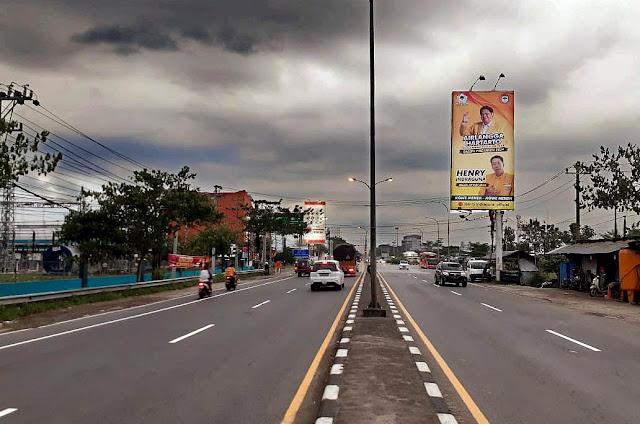 Siap Wujudkan Target di 2024, Henry Indraguna Pasang Baliho di Solo Raya