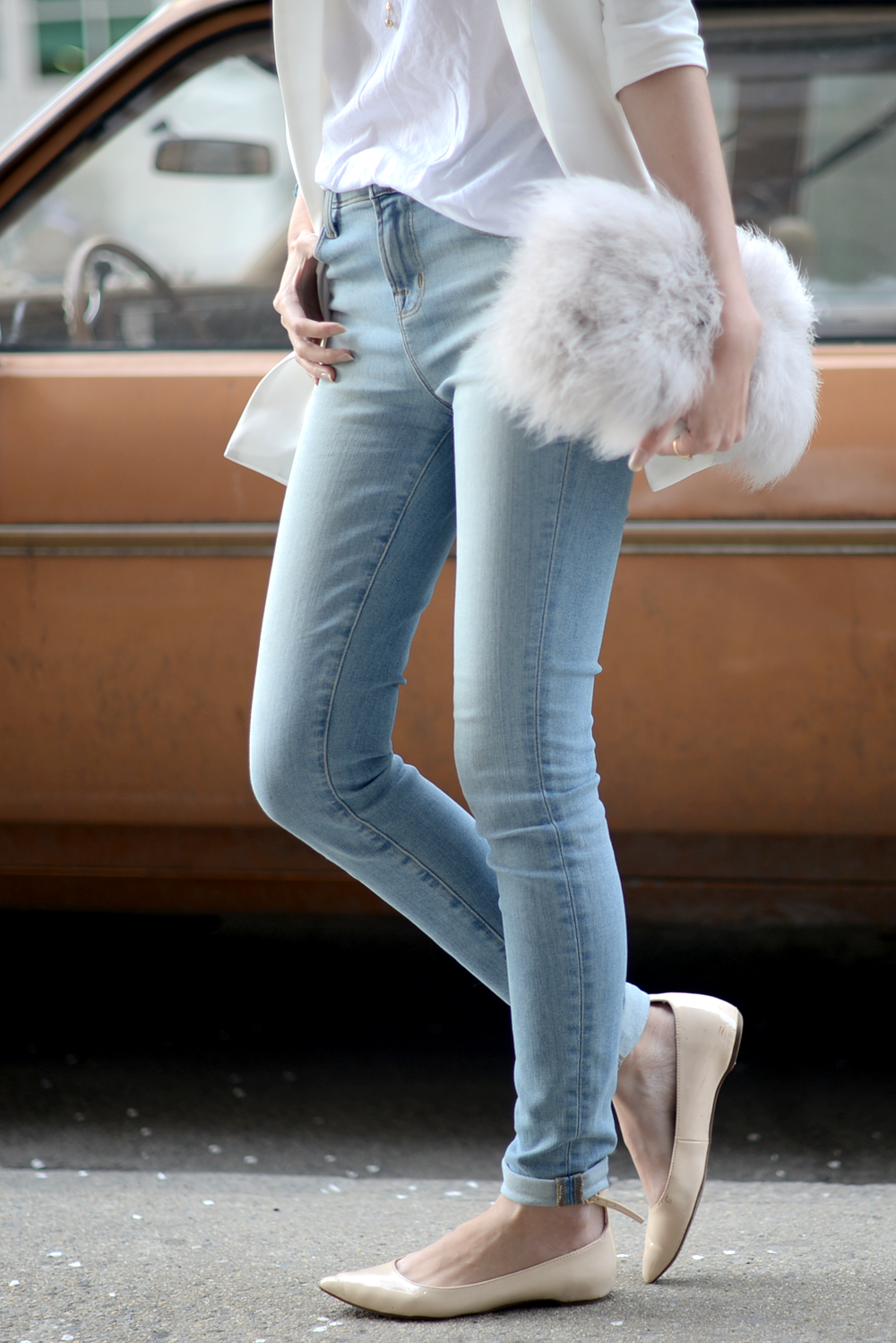 Classic - FOREVERVANNY / White Blazer, Summer Style, Fur Clutch