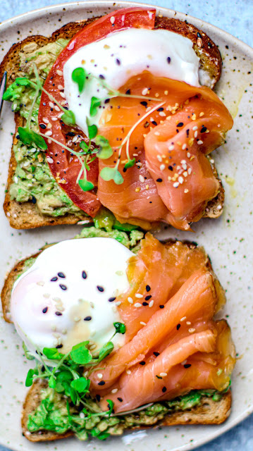 10 healthy breakfast ideas Smoked Salmon and Poached Eggs on Toast